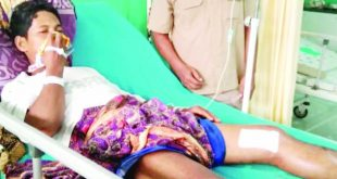 Muhammad Taher (37), warga Koto Marapak, Nagari Silareh Aia, korban terkaman buaya Sungai Batang Nanang, Kecamatan Palembayan, menjalani perawatan di RSUD Lubuk Basung