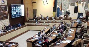 Suasana Komisi II Rapat Bersama KPU-Bawaslu, Bahas Persiapan Tahap Akhir Pilkada
