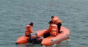 Tim SAR gabungan melakukan pencarian terhadap nelayan Siberut Barat, Mentawai yang hilang karena perahu yang digunakannya untuk memancing dihantam badai.