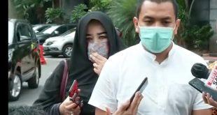 Kuasa Hukum FPI, Aziz Yanuar menyatakan tiga tersangka lain yang sudah diperiksa di Polda Metro Jaya meminta untuk ditahan dan dikenakan pasal yang sama dengan Habib Rizieq.