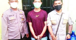 Riko Maryano (21) yang terjerat kasus penganiayaan ditangkap setelah 3 bulan jadi buronan dan kini ditahan di Polsek Padang Selatan