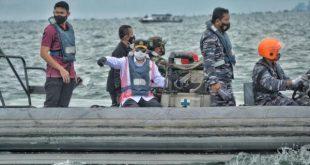 Menhub Budi Karya Sumadi bersama TNI ikut melakukan pencarian Sriwijaya Air SJ-182