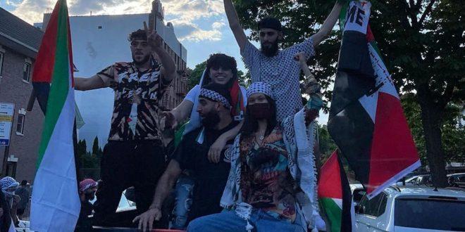 Dukung Palestina, Supermodel Bella Hadid Turun ke Jalan
